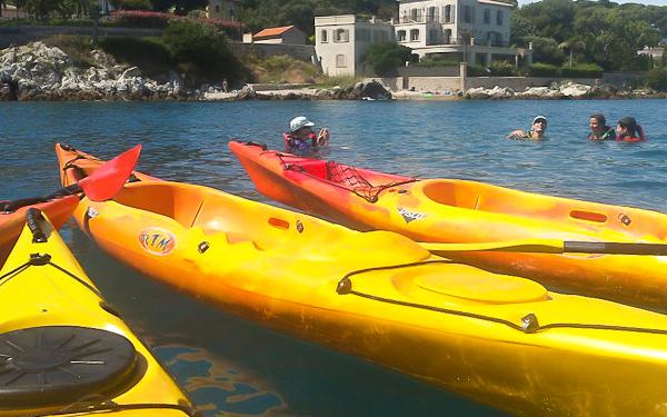 sortie-kayak-a-la-decouverte-de-la-rade-de-villefranche