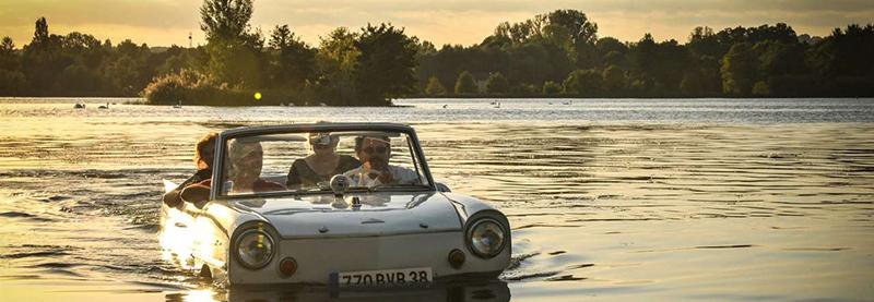 promenade-insolite-en-voiture-amphibie-sur-le-rhone